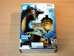 Monster Hunter 3 Tri by Capcom + Controller