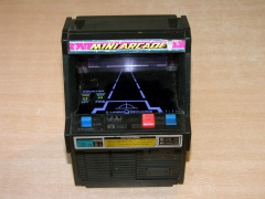 ** Mini Arcade Cosmic Clash by Tomy